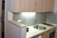 apartmani-zupa-kuhinja-hodnik-manji-apartman-s