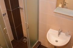 apartmani-zupa-kupatilo-tus-kabina-s